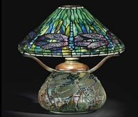 ClaraPierceWolcottDriscoll-TiffanyStudio+DragonflyLamp+c1905+GluckCollection+NYC
