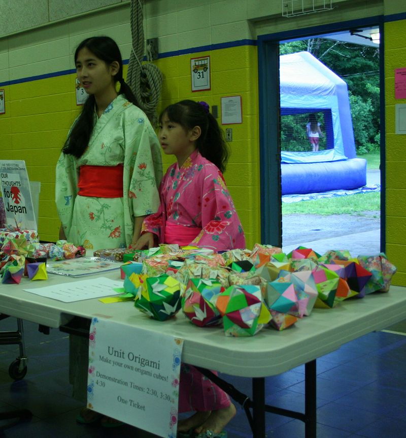 Jun. 11, 2011 Lexngton's Hope for Japan Fair 003